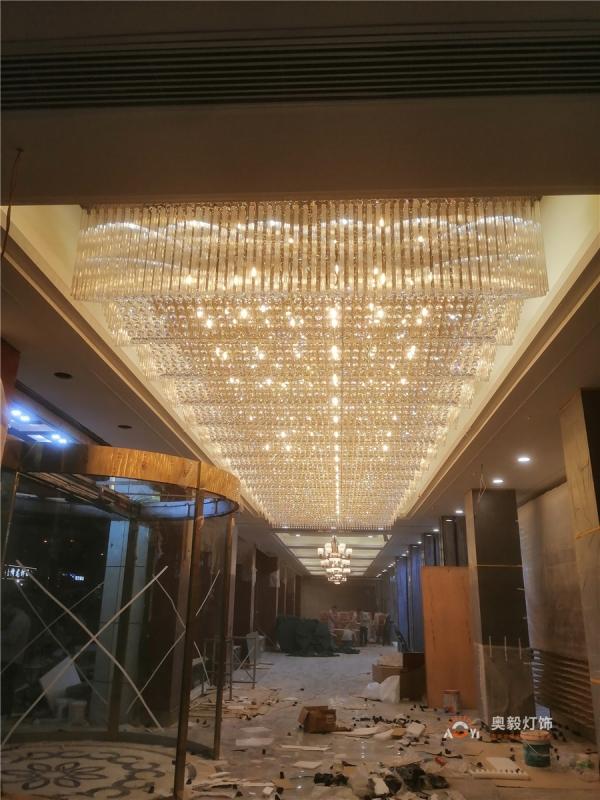 奥毅工程案例 | 武汉汉口酒店大堂水晶灯